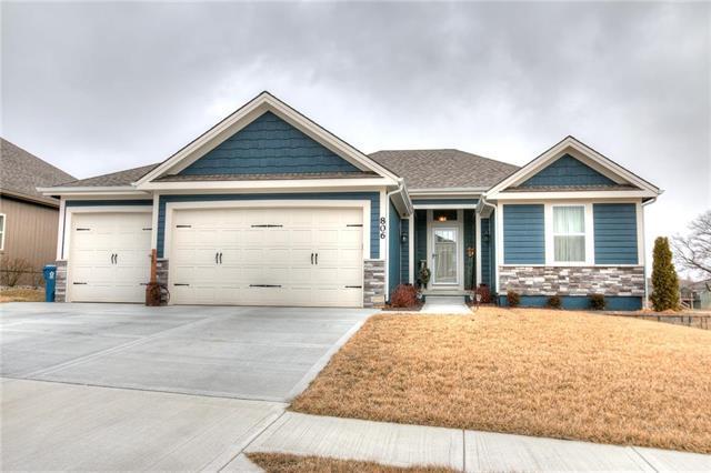 806 E 13th Terrace, Kearney, MO 64060 (#2131633) :: Edie Waters Network