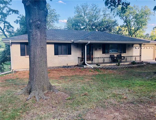 743 Linda Lane, Bonner Springs, KS 66012 (#2131648) :: Team Real Estate