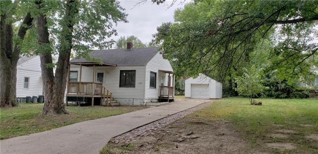 1304 S 45th Street, Kansas City, KS 66106 (#2131655) :: Edie Waters Network