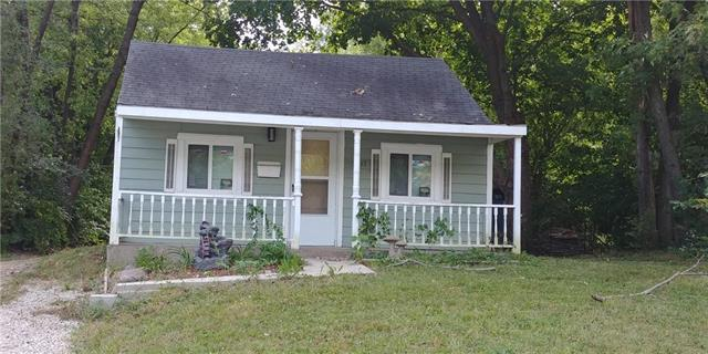 9415 E 67th Terrace, Raytown, MO 64133 (#2131691) :: Edie Waters Network