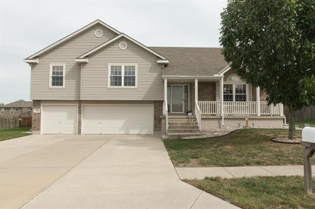 513 SW Brome Drive, Grain Valley, MO 64029 (#2131818) :: No Borders Real Estate