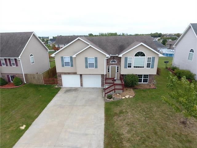 1510 Cloverleaf Drive, Warrensburg, MO 64093 (#2131827) :: Char MacCallum Real Estate Group