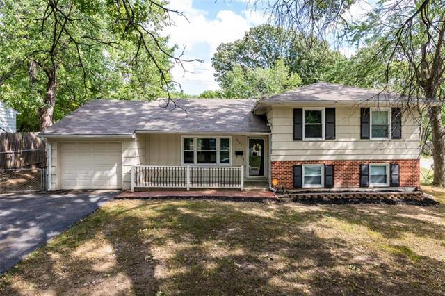 3925 S Delaware Avenue, Independence, MO 64055 (#2131844) :: Edie Waters Network
