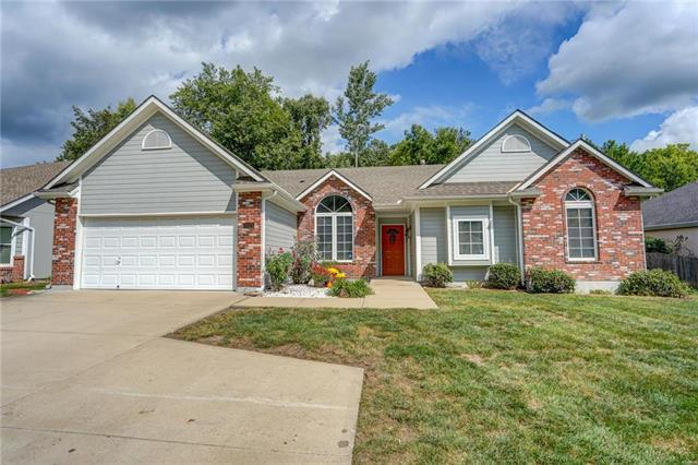 3025 Redwood Drive, Independence, MO 64057 (#2131868) :: No Borders Real Estate
