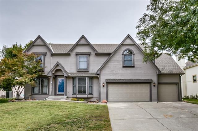 8011 NW Waukomis Drive, Kansas City, MO 64151 (#2131892) :: No Borders Real Estate