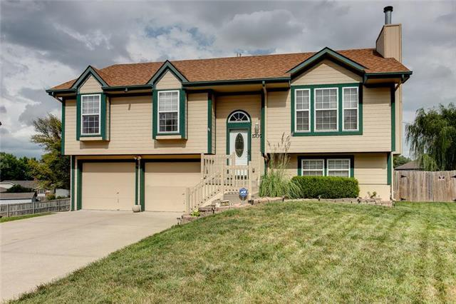 1707 S Concord Court, Independence, MO 64058 (#2131900) :: Edie Waters Network