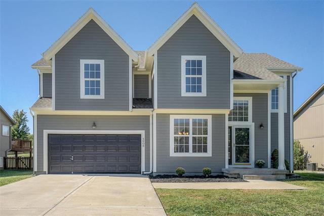 4606 N 111th Street, Kansas City, KS 66109 (#2132005) :: Char MacCallum Real Estate Group