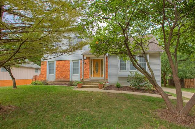 10030 N Charlotte Street, Kansas City, MO 64155 (#2132103) :: Char MacCallum Real Estate Group