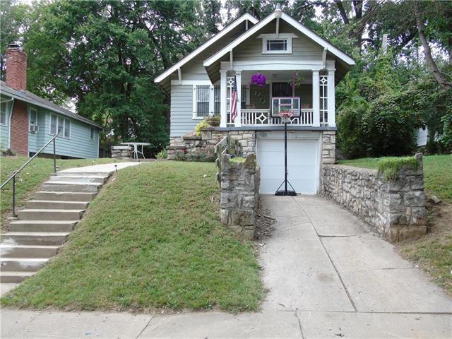 5536 Garfield Avenue, Kansas City, MO 64130 (#2132134) :: Edie Waters Network