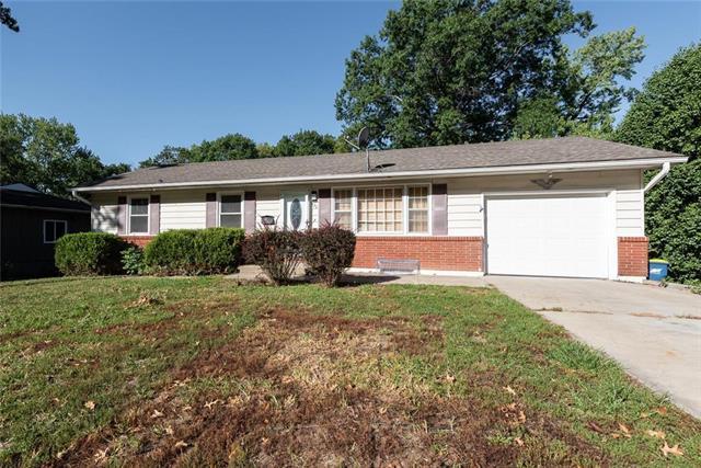 420 Maple Street, Liberty, MO 64068 (#2132140) :: Char MacCallum Real Estate Group