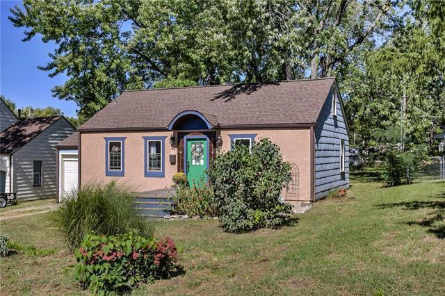 1230 W 25th Street, Independence, MO 64052 (#2132153) :: Edie Waters Network