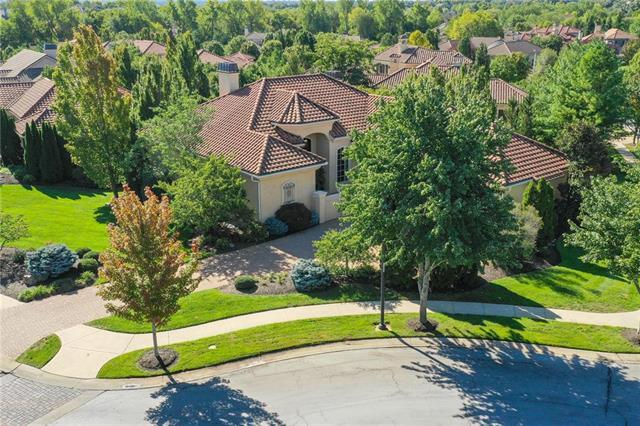 13801 Canterbury Street, Leawood, KS 66224 (#2132194) :: Char MacCallum Real Estate Group