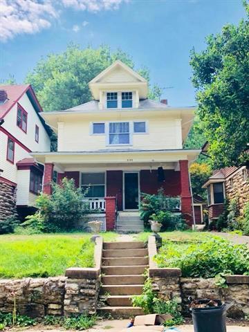 4144 Harrison Street, Kansas City, MO 64110 (#2132303) :: Edie Waters Network