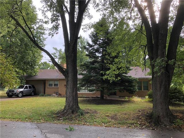 3921 N Bales Avenue, Kansas City, MO 64117 (#2132308) :: Edie Waters Network