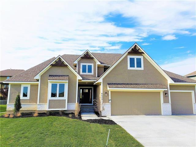 4526 NE Alhambra Drive, Lee's Summit, MO 64064 (#2132325) :: House of Couse Group