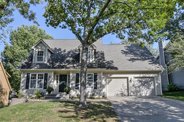 11521 Newton Street, Overland Park, KS 66210 (#2132339) :: Edie Waters Network