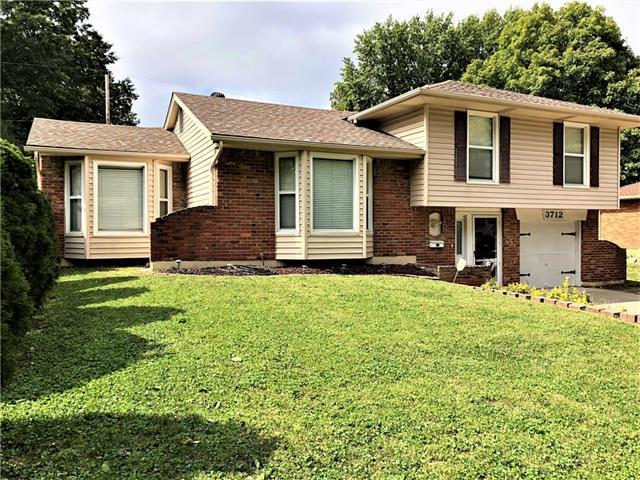 3712 S Emery Avenue, Independence, MO 64055 (#2132419) :: Edie Waters Network