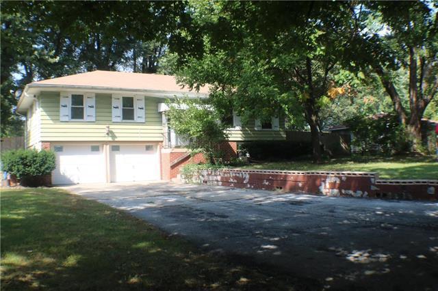 15902 Allen Avenue, Belton, MO 64012 (#2132428) :: Edie Waters Network