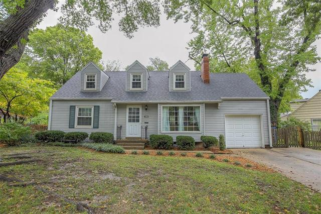 7935 Booth Street, Prairie Village, KS 66208 (#2132503) :: Char MacCallum Real Estate Group