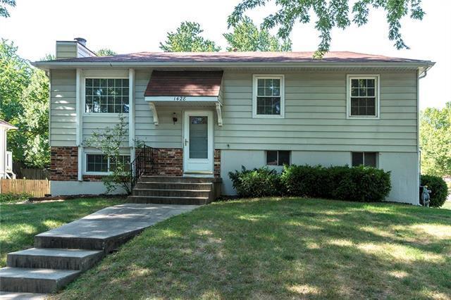 1428 Hanover Avenue, Independence, MO 64056 (#2132516) :: Edie Waters Network