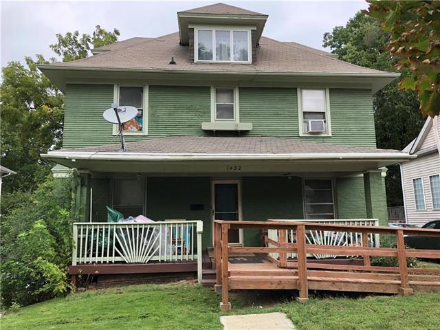 1432 W Walnut Street, Independence, MO 64050 (#2132522) :: Char MacCallum Real Estate Group