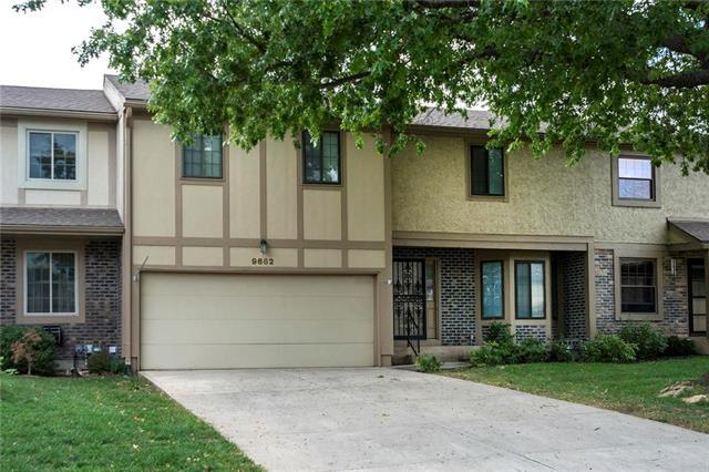 9662 Reeder Place, Overland Park, KS 66214 (#2132536) :: Edie Waters Network