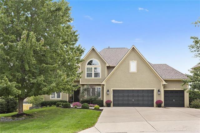 20811 W 100 Street, Lenexa, KS 66220 (#2132663) :: The Shannon Lyon Group - ReeceNichols