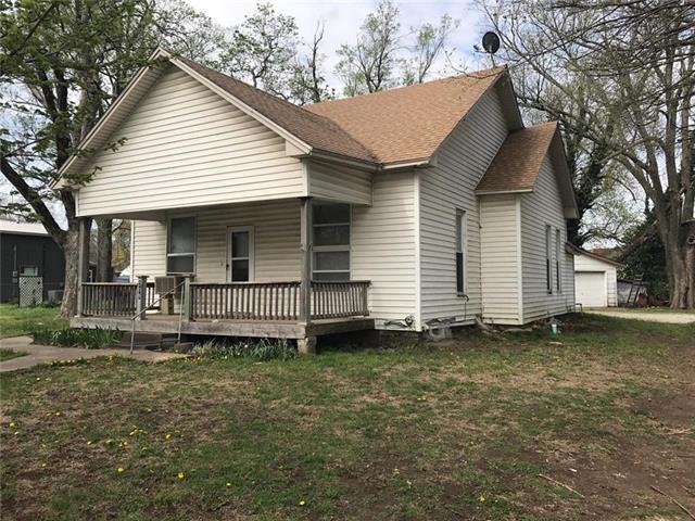 209 S Maple Street, Garnett, KS 66032 (#2132706) :: No Borders Real Estate