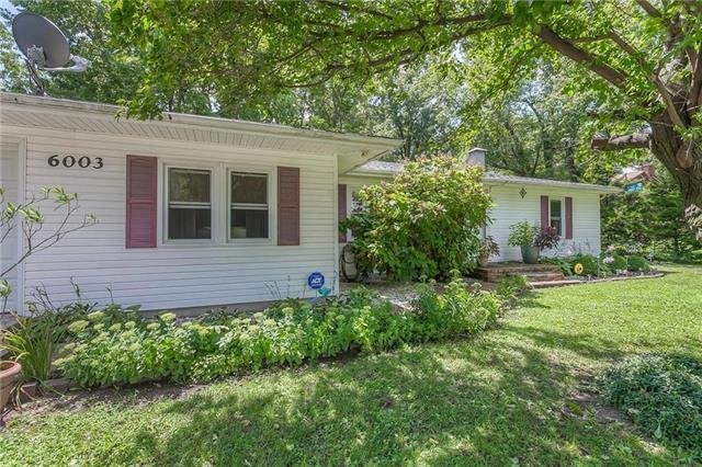 6003 Cernech Road, Kansas City, KS 66104 (#2132789) :: Char MacCallum Real Estate Group