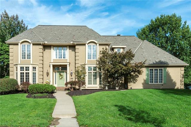 12731 Glenfield Road, Leawood, KS 66209 (#2132871) :: Char MacCallum Real Estate Group