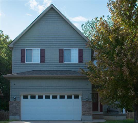 11048 Whispering Lane, Kansas City, KS 66109 (#2132934) :: Char MacCallum Real Estate Group