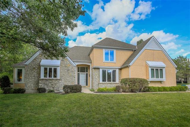 3696 W 129th Place, Leawood, KS 66209 (#2132957) :: Char MacCallum Real Estate Group