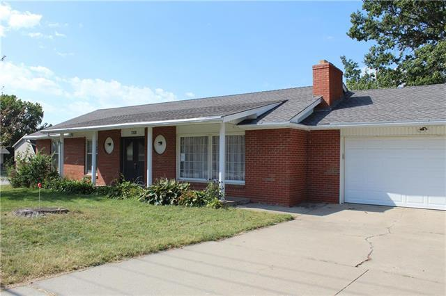 7108 N Broadway Street, Gladstone, MO 64118 (#2133010) :: No Borders Real Estate