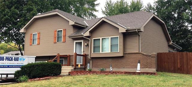 2002 Ann Terrace, Harrisonville, MO 64701 (#2133033) :: Edie Waters Network