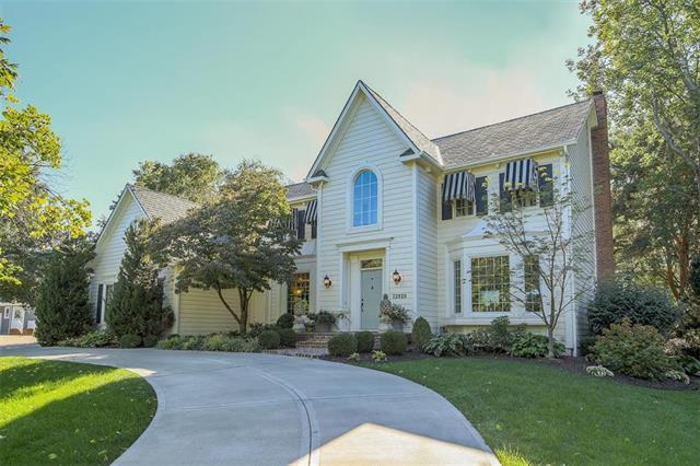 12920 Glenfield Street, Leawood, KS 66209 (#2133040) :: Char MacCallum Real Estate Group