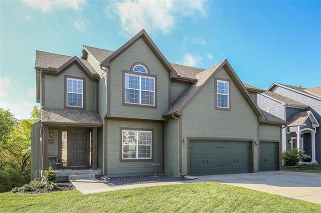 2217 SW Deer Run Court, Lee's Summit, MO 64082 (#2133071) :: Edie Waters Network
