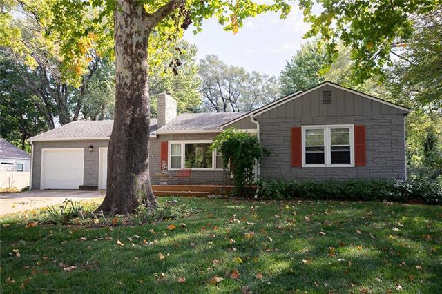 7601 Hemlock Street, Overland Park, KS 66204 (#2133119) :: Team Real Estate