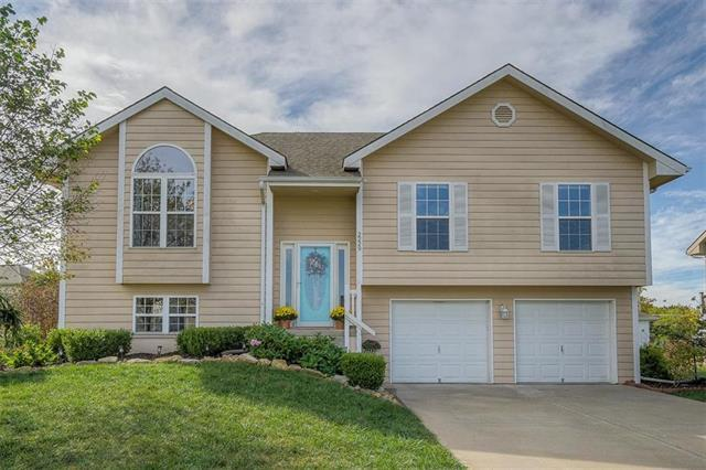 2229 Madison Avenue, Excelsior Springs, MO 64024 (#2133151) :: Char MacCallum Real Estate Group
