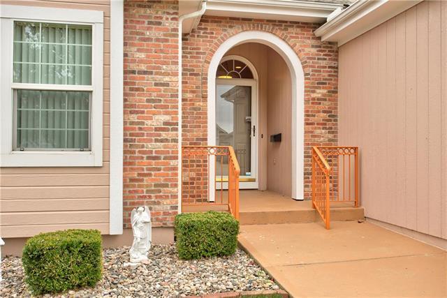 7219 N Kensington Avenue, Kansas City, MO 64119 (#2133196) :: Char MacCallum Real Estate Group