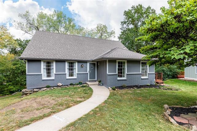 10702 NW 58th Street, Parkville, MO 64152 (#2133217) :: Edie Waters Network