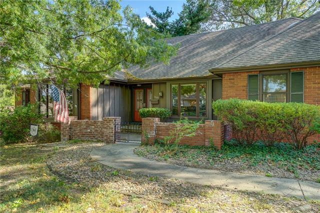 14601 E 43rd Street, Independence, MO 64055 (#2133222) :: Edie Waters Network