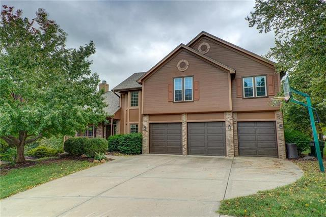 14175 NW 66th Court, Parkville, MO 64152 (#2133237) :: Char MacCallum Real Estate Group