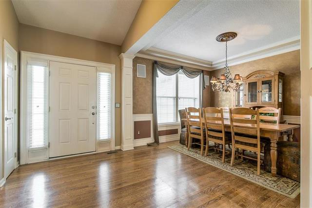 15660 Parkhill Street, Overland Park, KS 66221 (#2133319) :: No Borders Real Estate