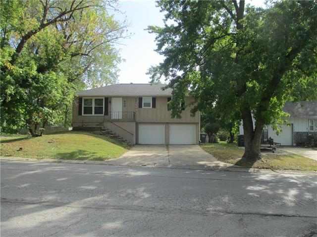 805 Ash Street, Harrisonville, MO 64701 (#2133337) :: Edie Waters Network