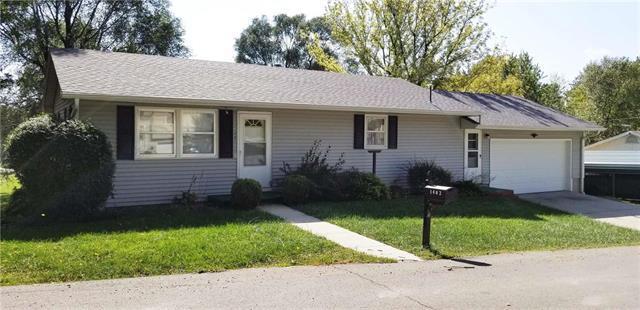 1402 W Davis Street, Savannah, MO 64485 (#2133565) :: Edie Waters Network