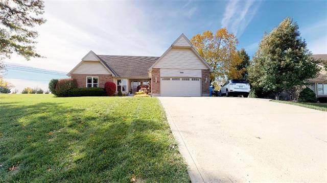 17699 157th Terrace, Basehor, KS 66007 (#2133574) :: Edie Waters Network