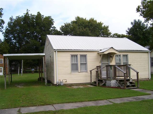 203 E 14TH Street, Pleasanton, KS 66075 (#2133603) :: Char MacCallum Real Estate Group