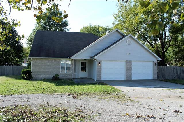 213 North Street, Windsor, MO 65360 (#2133619) :: Char MacCallum Real Estate Group