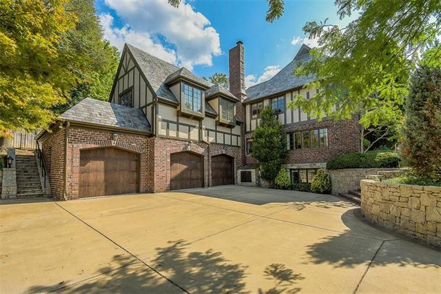 5501 High Drive, Mission Hills, KS 66208 (#2133665) :: Char MacCallum Real Estate Group