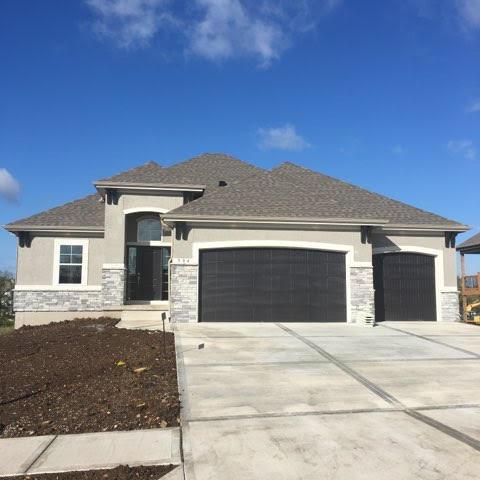 504 NE Doran Drive, Lee's Summit, MO 64086 (#2133672) :: Char MacCallum Real Estate Group
